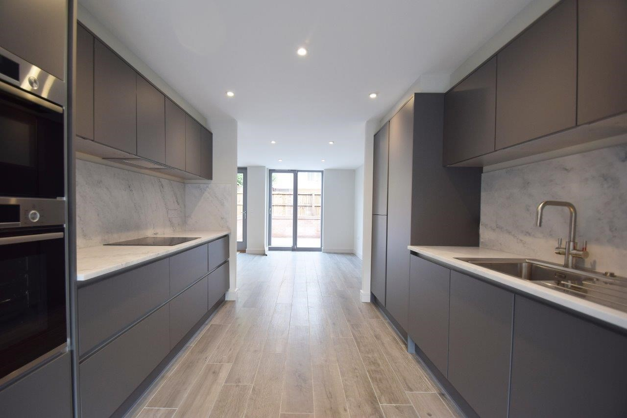New Development of Five Townhouses Available to purchase NOW